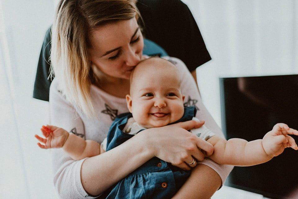 fotografia dziecięca - radosne dziecko